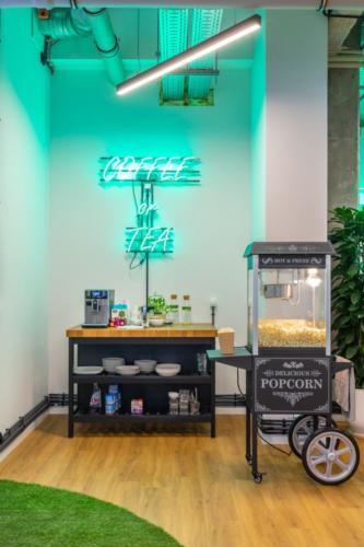 LivinnX Kraków – Leasing Office Coffee or Tea