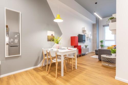 LivinnX Kraków – 2 – person unit Dining room