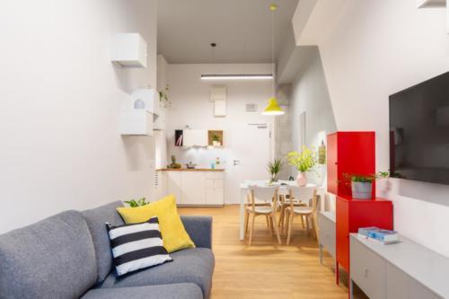 LivinnX Kraków – 2 – person unit Livingroom