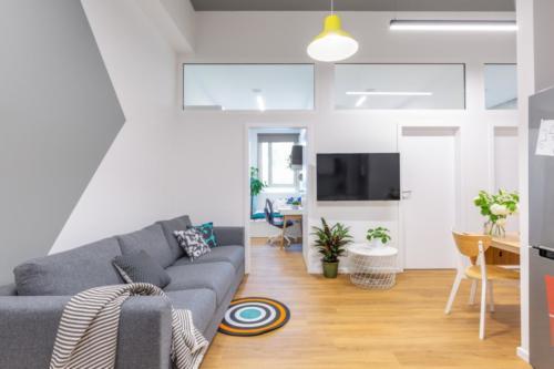 LivinnX Kraków – 3 – person unit Livingroom