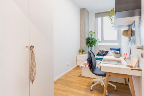 LivinnX Kraków – 3 – person unit Bedroom 1