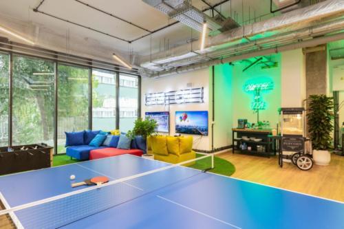 LivinnX Kraków – Leasing Office Ping Pong
