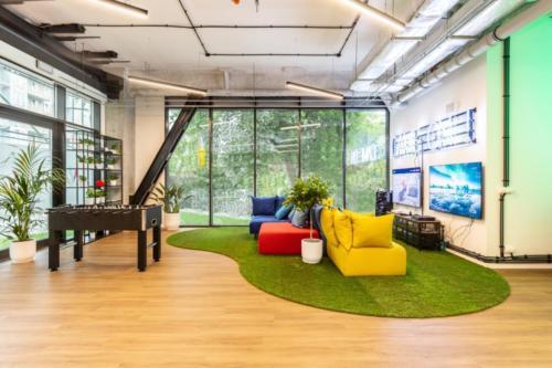 LivinnX Kraków – Leasing Office Game Room